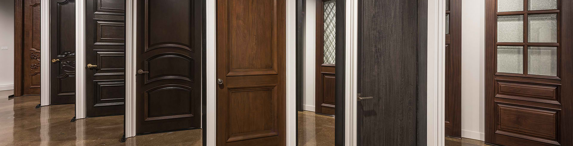<h1>Internal Doors</h1><p>Internal Doors can be built in an endless variety of styles: featured timbers, painted and even incorporating Leadlight.  <a href='doors.html'>Learn More ></a></p>